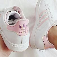 Adidas discovered by alison on We Heart It 67d284a34a3