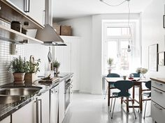 Style and Create — Lovely Gothenburg apartment with sophisticated charm | Styling by Emma Fischer | Photo by Janne Olander for Swedish broker Stadshem