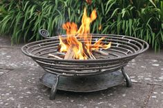 The Exterior Fire Pit Ring – Outdoor Kitchen Designs Metal Fire Pit, Diy Fire Pit, Fire Pit Backyard, In Ground Fire Pit, Fire Pit Grill, Fire Pits, Barbecue, Fire Basket, Fire Pit Materials
