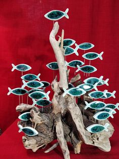 Driftwood Projects, Driftwood Art, Clay Projects, Resin Art, Clay Art, Beach Crafts, Diy And Crafts, Wooden Fish, Fish Art