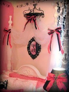 up side down wall decor   ~Parisian Vintage Barbie Girls Room~