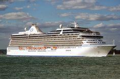Cruiseschepen in Southampton 10 augustus 2013 gefotografeerd door Peter Hollands