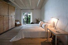 Calvin-Klein's-miami-beach-home-Axel-Vervoordt-designed-house-desmitten