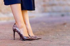 Estilo Lady: Vestido con lazada al cuello y zapatos de Magrit | With Or Without Shoes - Blog Moda Valencia España