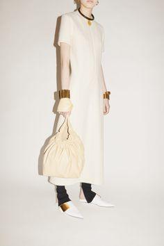 Jil Sander, Vogue Paris, Cashmere Leggings, Cool Silhouettes, Fashion Week, Womens Fashion, Fashion Hub, Fashion Trends, Vogue Russia