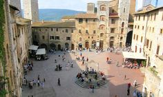 Image from http://www.bestplacesin.com/wp-content/gallery/san-gimignano/san_gimignano_5.jpg.