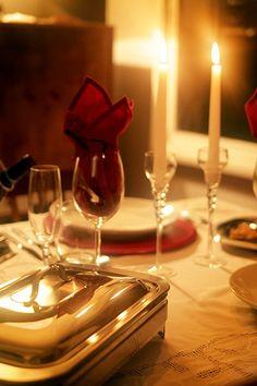 Tenha um rechaud de inox para levar a comida à mesa. Ele mantém o jantar quentinho e a apresentação fica impecável. Que tal um risoto? (créditos: Divulgação/Mariana Moura)