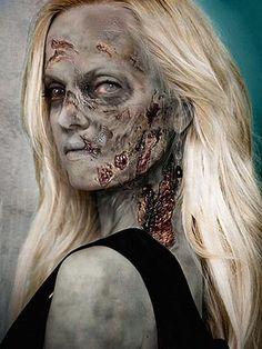 Mena Suvari as a Zombie