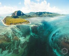 The famous Underwater Waterfall 🌊 . . You'd think it's a trick done through hours of photoshopping, but after trying to shoot it despite…