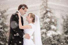 Winter Wedding | Snowfall |  LDS Bride | Simply Elegant | Fort Mill SC | simplyelegantforyou.com