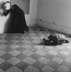 Francesca Woodman - Yet another leaden sky - Roma, 1977-78 - courtesy George e Betty Woodman & Victoria Miro Gallery