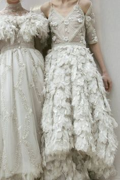Chanel Haute Couture s/s 2013 Would so wear them as wedding dresses Couture Mode, Couture Fashion, Chanel Couture, Chanel Fashion, Mode Chanel, Fashion Details, Fashion Design, Glamour, Looks Vintage