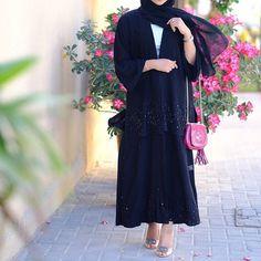 Dubai Fashion, Abaya Fashion, Muslim Fashion, Arabic Dress, Abaya Designs, Hijabi Girl, Vintage Couture, Abaya Style, Niqab