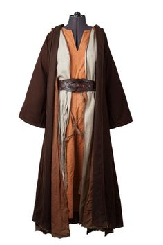 Layering costume for fantasy LARP games can be tricky, but here's an example how some simple robes were put together.