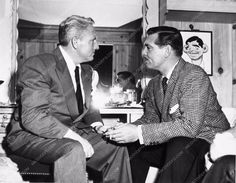 photo Spencer Tracy Clark Gable caricature in MGM dress room behind scenes 2766-11