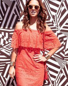 Óculos #LivoDeLebôh + vestido com decote ciganinha = look pra aproveitar a folia!  #CarnaLebôho
