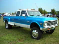 72 chevy k-30. One of my ton ten favorite trucks of all times.