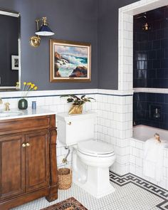 The Pros Have Spoken: These Are the Best Small-Bathroom Paint Colors - Dream Home - Bathroom Decor Bad Inspiration, Bathroom Inspiration, Wedding Inspiration, Small Bathroom Paint Colors, Paint Bathroom, Bathroom Paintings, Kitchen Paint, Bathroom Heater, Wainscoting Bathroom