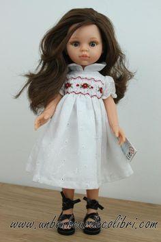 Poupée miriam robe blanche à smocks