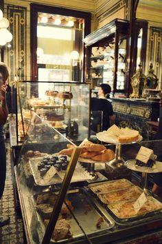Confectionery shop in Vienna, Austria. confectionery shop in vienna Bakery Cafe, Paris Bakery, Rustic Bakery, Cafe Bistro, Cafe Bar, Bakery Design, Restaurant Design, Cafe Shop, Pastry Shop