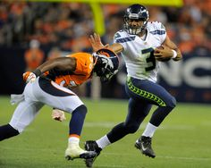 Seahawks name rookie QB Russell Wilson their Week 1 regular-season starter Think a short quarterback can't succeed in the NFL? Russell Wilson would like you to hold that thought. Wilson Seahawks, Seahawks Football, Best Football Team, National Football League, Seattle Seahawks, Football Helmets, Football Humor, Football Shirts, Team Gear