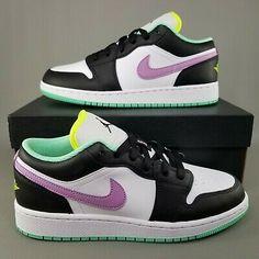 Nike Air Force, Nike Air Max, Teen Girl Shoes, Sneakers Fashion, Sneakers Nike, Cute Shoes, Kids Clothing, Basketball Shoes, Jordan 1