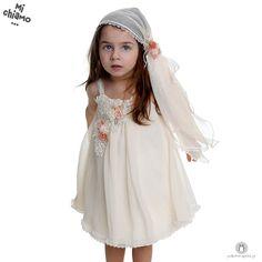 Φόρεμα Βάπτισης Chiffon Μπεζ Mi Chiamo Κ4023-16661 https://www.paketovaptisi.gr/christening-packages-girl/christening-clothes-girl/sum-spri/product/2322-16661.html Βαπτιστικό φόρεμα από τη νέα collection της εταιρείας Mi Chiamo κατασκευασμένο από chiffon ύφασμα σε μπεζ χρώμα με διακοσμητικά λουλούδια. Το σύνολο συνοδεύεται από καπέλο ή κορδέλα ή στέκα το οποίο συμπεριλαμβάνεται στην τιμή. Συνδυάζεται προαιρετικά με ασορτί ζακετάκι. #MiChiamo #φορεμα #βαπτιση #βαπτιστικα