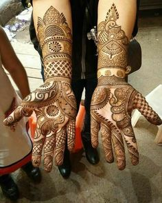 Explore latest Mehndi Designs images in 2019 on Happy Shappy. Mehendi design is also known as the heena design or henna patterns worldwide. We are here with the best mehndi designs images from worldwide. Full Hand Mehndi Designs, Indian Mehndi Designs, Mehndi Designs 2018, Modern Mehndi Designs, Wedding Mehndi Designs, Mehndi Design Pictures, Mehndi Designs For Hands, Mehndi Images, Henna Pictures