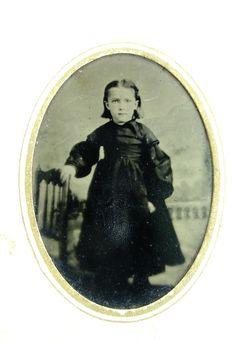 ANTIQUE CIVIL WAR ERA TINTYPE PHOTO OF A CUTE LITTLE GIRL IN A PRETTY DRESS | eBay