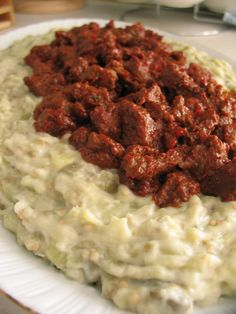 Sultan's Delight / Hünkar Beğendi – Turkish Cuisine (ground beef in tomato sauce on cheesy eggplant puree) Lamb Recipes, Cooking Recipes, Turkish Lamb, Turkish Recipes, Ethnic Recipes, Rick Stein, Lamb Stew, Eastern Cuisine, Middle Eastern Recipes