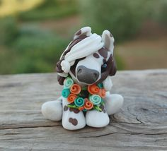 Genuine and original polymer clay sculpture designed and handmade with love by Elisabete Santos Polymer Clay Sculptures, Polymer Clay Animals, Cute Polymer Clay, Cute Clay, Polymer Clay Charms, Polymer Clay Creations, Sculpture Clay, Diy Clay, Clay Crafts