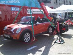 A Car Lifting Hoist was used with a UNIC URW-295 mini crane to lift a Mini…