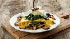 Open ravioli met boschampignons en aardpeer