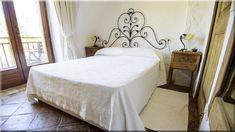 rusztikus mediterrán hálószobák (Luxuslakások) Bed, House, Furniture, Home Decor, Vintage, Decoration Home, Stream Bed, Home, Room Decor