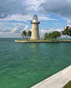 "The iconic lighthouse on Boca Chita Key in Biscayne National Park Florida. More ornamental than functional it sits right on the harbor entrance and provides an easy point for visual navigation to the island. Do you know the difference between a ""key"" and an ""island""? All keys are islands but not all islands are keys. Hint: it has to do with how they are formed Biscayne National Park (2 of 59) @biscaynenps Shot with iPhone 6S Plus Photo by @jonathan_irish // Photographer and former Nat Geo..."