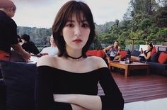 When you care for your hair your whole life changes. Good hair tells other people that you are put together. Few people can resist or deny the appeal of a Seulgi, My Hairstyle, Cool Hairstyles, Hair Inspo, Hair Inspiration, Loona Kim Lip, Shot Hair Styles, Wendy Red Velvet, Korean Girl Groups