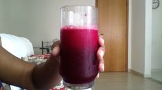 Receita de Suco red detox. How To Make Light, Shot Glass, Beer, Mugs, Healthy, Tableware, Natural, Fitness, Recipes