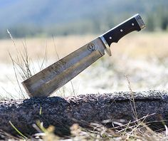 The Carbon Steel Base Camp X Wendigo Cleaver Is The Ultimate Bushcraft Machete Bushcraft, Cool Knives, Knives And Swords, Kydex, Forged Knife, Survival Tools, Survival Knife, Le Far West, Custom Knives