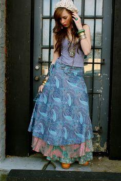 Everybodys-buying-vintage-skirt-grey-tank-american-apparel-top