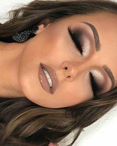 Nudelicious glossy and big eyelashes! Nudelicious glossy and big eyelashes! The post Nudelicious glossy and big eyelashes! & Beauty appeared first on Glossy makeup . Nude Makeup, Glam Makeup, Makeup Inspo, Eyeshadow Makeup, Makeup Inspiration, Makeup Tips, Hair Makeup, Neutral Eye Makeup, Airbrush Makeup