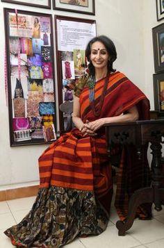 Elegant Prabha in a lovely, lovely age-appropriate Chettinad sari.