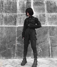 Do you like All Black Outfits? Grunge Outfits, Edgy Outfits, Cute Outfits, Fashion Outfits, Black Outfits, Fashion Pants, Fashion Tips, Cyberpunk Mode, Cyberpunk Fashion