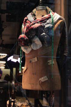 "RALPH LAUREN, New York City, ""Styling for/on Dummies"", pinned by Ton van der Veer"