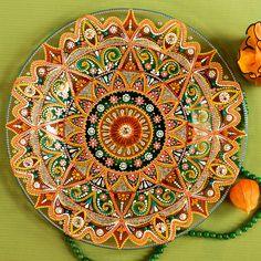 Тарелка с витражной и точечной росписью