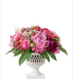 Floral Arrangement Holiday Wreaths, Botanical Gardens, Floral Arrangements, Florals, Floral Design, Fabric, Plants, Inspiration, Accessories