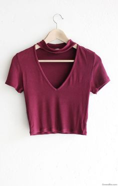 - Description Details: Super cute short sleeve crop top in burgundy with deep v-neck & choker mock neck strap. Form fitting, tend to run on the smaller side & are more fitted. Crop Top Outfits, Summer Outfits, Casual Outfits, Cute Outfits, Fashion Outfits, Fall Outfits, Jugend Mode Outfits, Cute Crop Tops, Outfit Goals