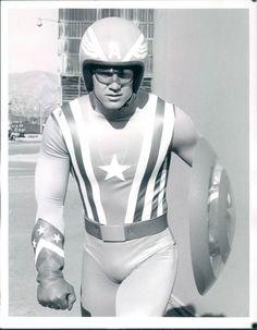 Reb Brown as Captain America (TV Superheroes) Comic Movies, Marvel Movies, Movie Tv, Marvel Characters, Marvel Heroes, Superhero Tv Shows, Comic Book Frames, Captain American, Comics
