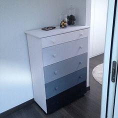 Mueble de madera de pino de IKEA pintado con chalkpaint. Tutorial en la web www.dracdecor.com