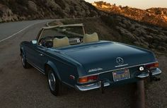 1971_Mercedes_Benz_280SL_Pagoda_Blue_For_Sale_Rear_resize.jpg