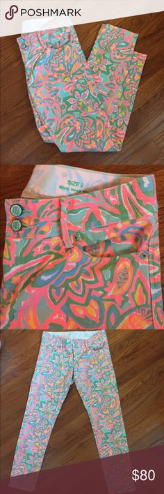 Lilly Pulitzer Skinny Pants LIKE NEW! Perfect for summer. Waist measure 15 inches laying flat. Inseam 27 inches. Nothing wrong with them. 98% cotton and 2% spandex so there is some stretch to them. Lilly Pulitzer Jeans